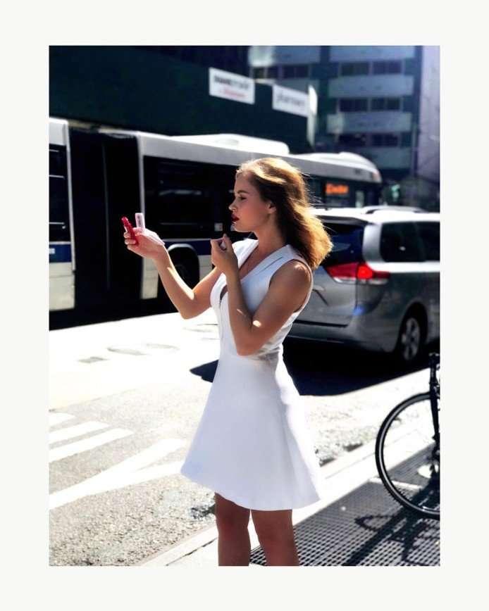 «Чего такая худенькая?»: фанаты Полины Гренц беспокоятся за ее фигуру