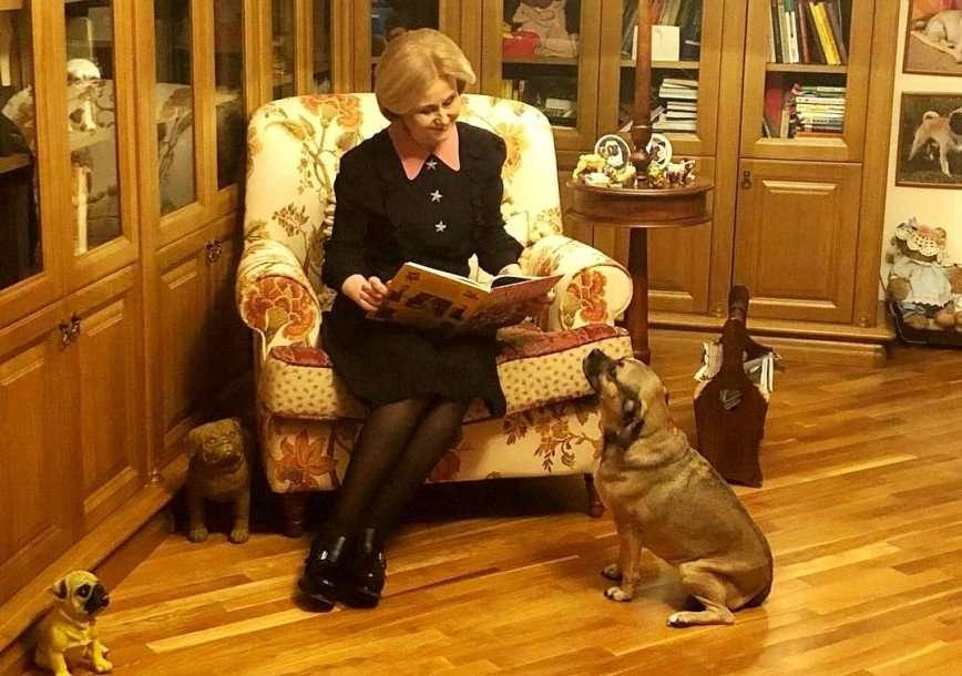 Дарья Донцова рассказала о своем распорядке дня от имени собаки