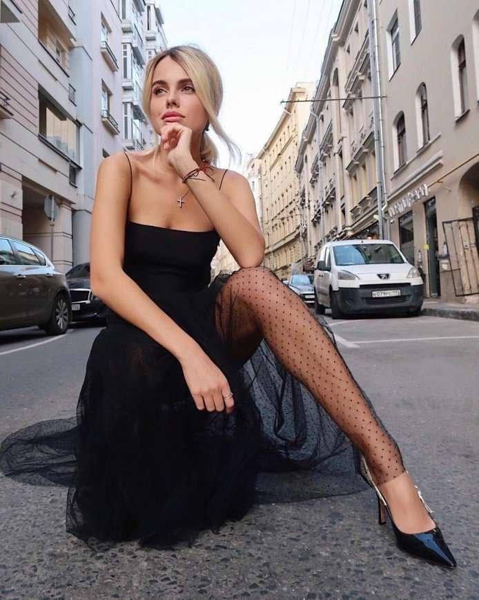 «Ребята, без паники»: Дарья Клюкина примерила образ блондинки