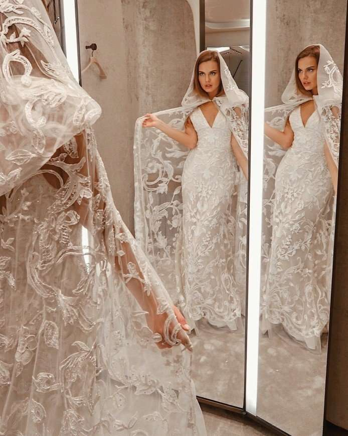 «За Крида замуж собралась?»: Дарья Клюкина выбирает свадебное платье