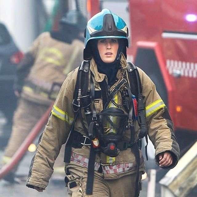 Женщина - огонь: самая сексуальная пожарная в мире