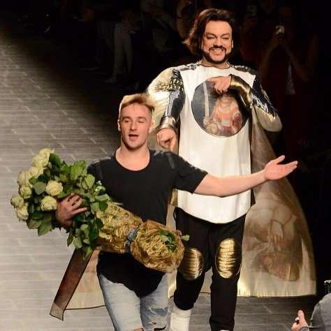 Филипп Киркоров продемонстрировал созданную в его честь одежду
