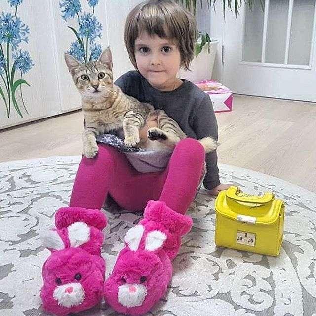 Виктория Макарская поделилась трогательным снимком дочери