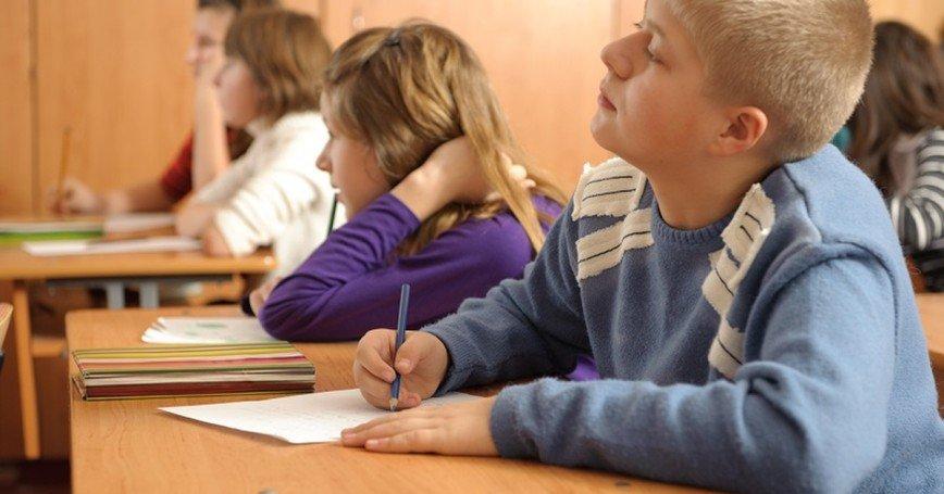 Россияне настаивают на усилении охраны в школах из-за происшествия в Керчи